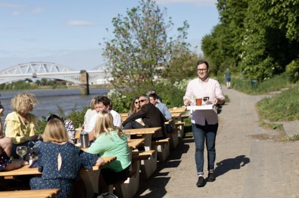Photo for: Top 15 Riverside Bars And Pubs To Visit Near Thames River