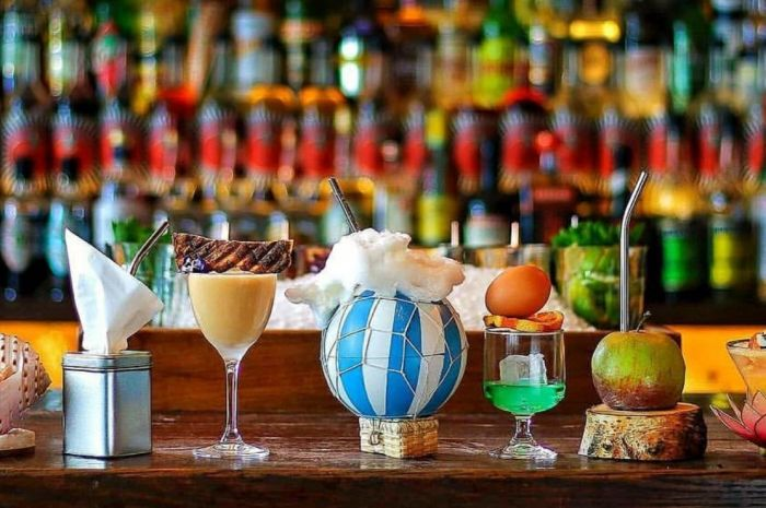 Photo for: Discover 5 Exquisite Craft Cocktail Bars In London