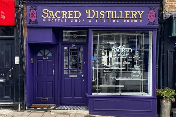 Photo for: Distillers day road trip around London in Covid
